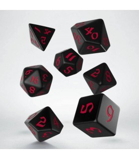 Set de dados para rol en color negro con números en rojo
