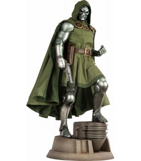 Doctor Doom Premium Format™ Figure by Sideshow Collectibles